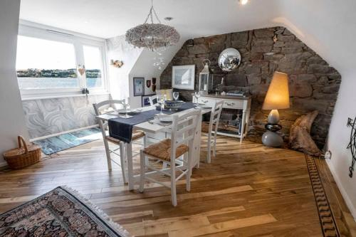?The Quarterdeck � Broughty Ferry Waterfront Home?
