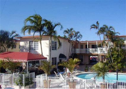The swimming pool at or near Casa Del Sol Waterfront Resort & Marina