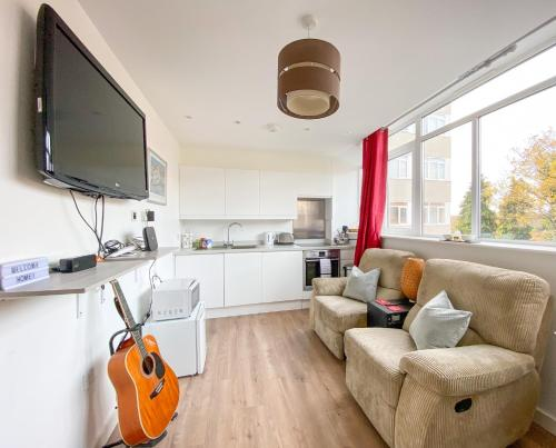 Wonderfully Presented One Bedroom Epsom Apartment