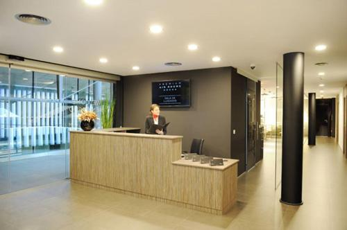 The lobby or reception area at Air Rooms Madrid Airport By Premium Traveller