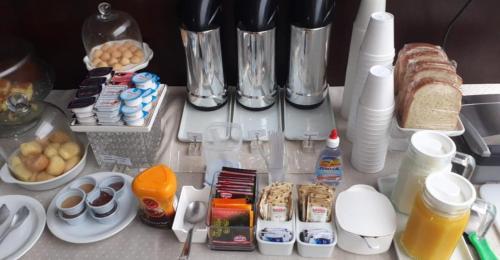 Coffee and tea-making facilities at Hotel Aero Sleep Campinas