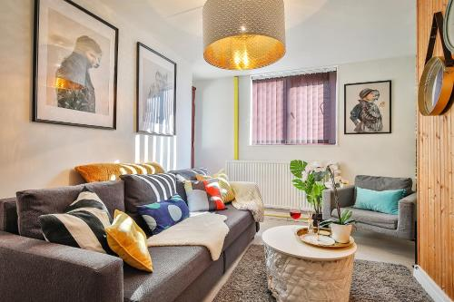 George House - City Centre - Group Stay