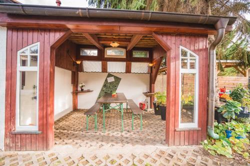 Ein Patio oder anderer Außenbereich in der Unterkunft Auberge Leipzig