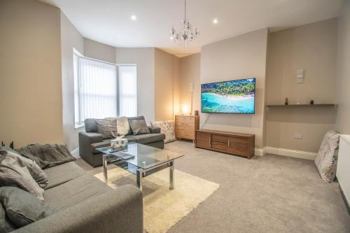 A Modern double bedroom City Centre SHARED