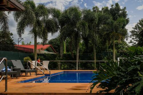 ホテル キンバリー タガイタイの敷地内または近くにあるプール
