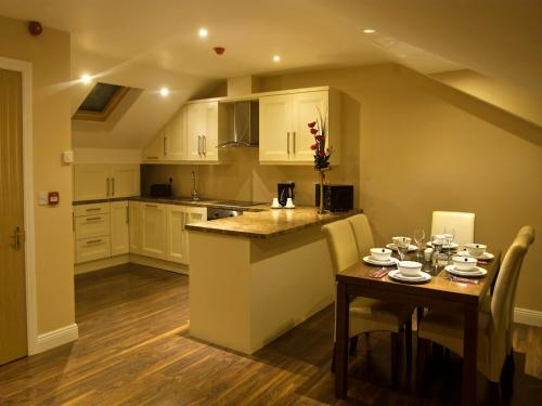 A kitchen or kitchenette at Hillview Self Catering
