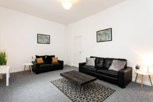 Hawthorn House. Newly refurbished, spacious property, close to city centre