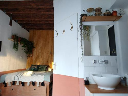"A bathroom at Tiny House B&B ""Mañana"""