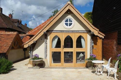 Remarkable 1-Bed Cottage near Henley-on-Thames