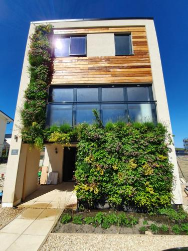 Luxury ECO House next to Bicester Village