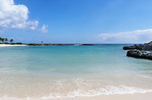 Пляж на территории курортного отеля или поблизости
