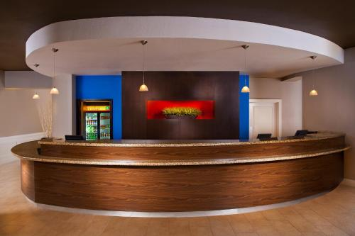 The lobby or reception area at Courtyard by Marriott Sandestin at Grand Boulevard