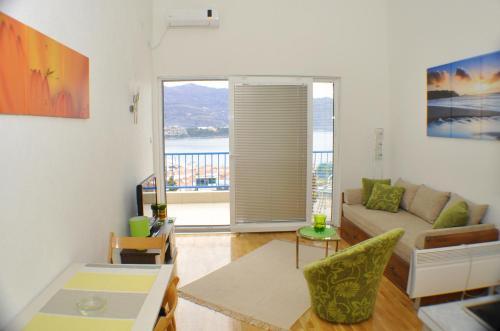 Гостиная зона в Belvedere Apartments