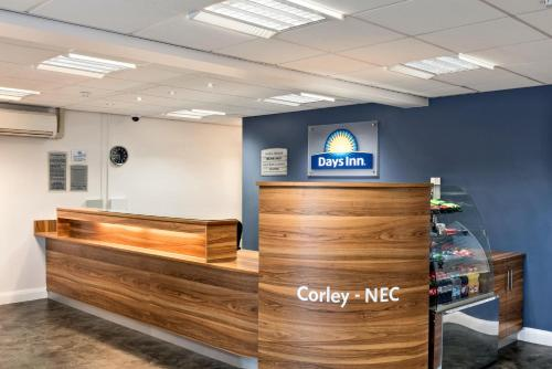 The lobby or reception area at Days Inn Corley - Nec (M6)