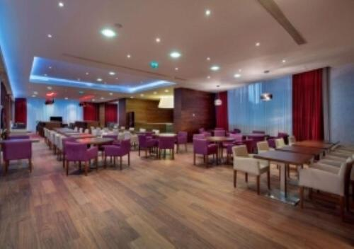 A restaurant or other place to eat at Hampton by Hilton Istanbul Kayasehir