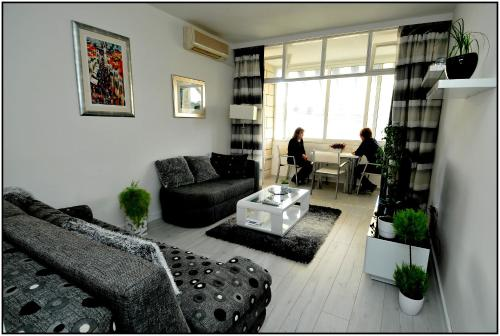 A seating area at Apartment Karmen