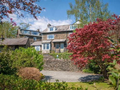 Beautiful Holiday Home with Garden at Ambleside District