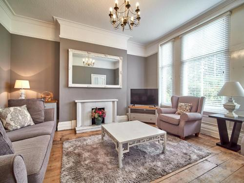 ComfyWorkers Central Peterborough Contractor House inc FREE Parking