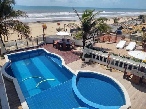 A view of the pool at Hotel Portal Do Mar or nearby