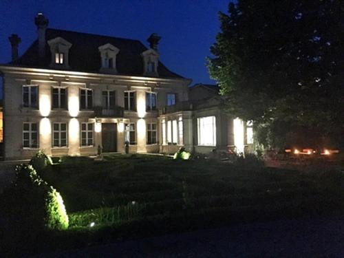 La Maison Dans le Parc, Saint-Dizier – Updated 10 Prices