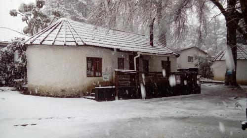 Kings Lodge Hotel during the winter