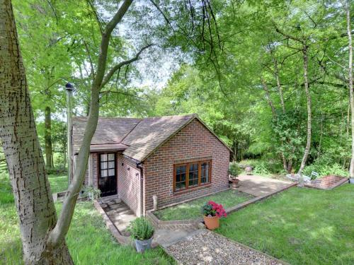 Calm Holiday Home in Hartfield Kent amidst Ashdown forest
