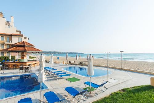 The swimming pool at or near Obzor Beach Resort