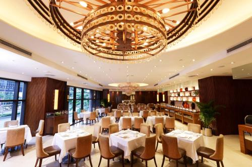 A restaurant or other place to eat at Gloucester Luk Kwok Hong Kong