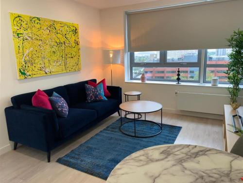 A seating area at Bracknell - A Spectacular Dual Aspect 1 Bedroom Flat
