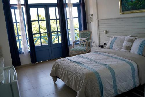 A bed or beds in a room at Residences Etang du Jong