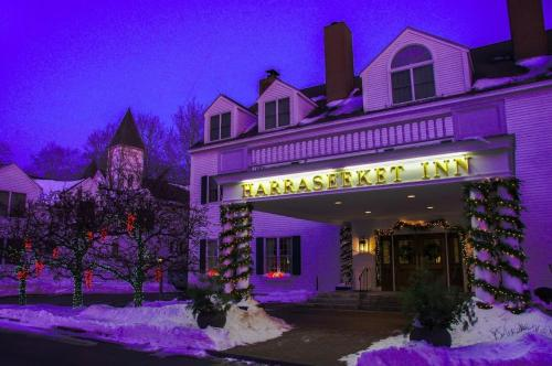 Harraseeket Inn during the winter