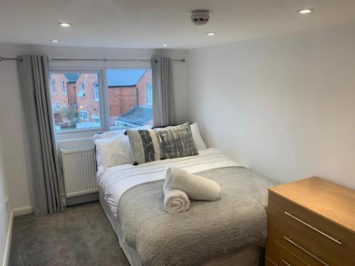 Grange Avenue - 6 bedroom house