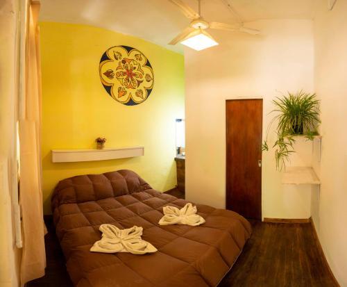 Una cama o camas en una habitación de Los 3 Gómez