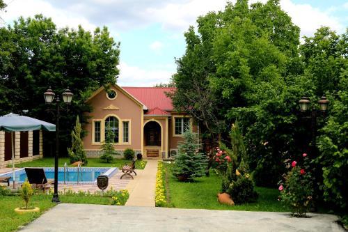 A piscina localizada em Gabala Vendam Villa ou nos arredores