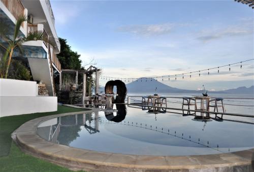 Der Swimmingpool an oder in der Nähe von Ocean Terrace Suite And Spa Luxury