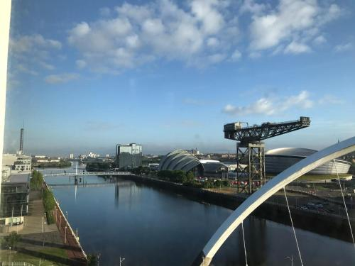 Glasgow SSE Hydro Apartment with Secure Parking
