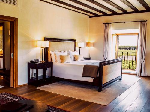 En eller flere senger på et rom på Abadia Retuerta LeDomaine