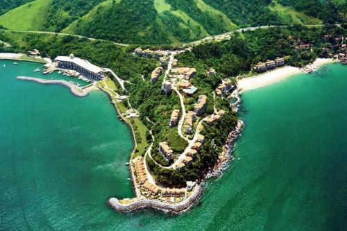 Uma vista aérea de Apartamento no Porto real resort