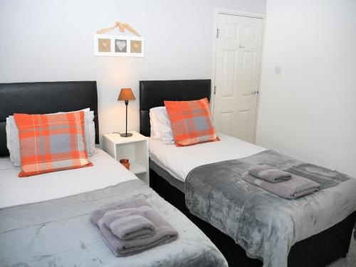 Greswold House Coventry, 3 Bedrooms, Near Warwick-Uni, NEC, Rated Exceptional!