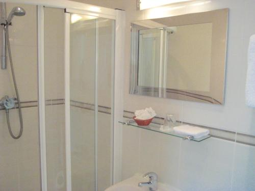 A bathroom at The Dial House Guest House