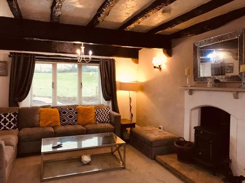 3 Bedroom Country Retreat- Dogs welcome