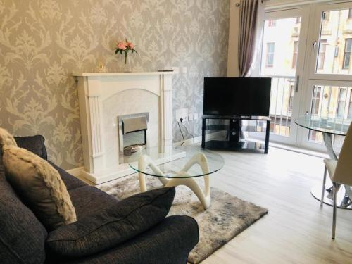 Brand new stunning 2 bed apartment close to city