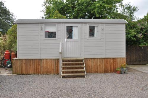 Country Estate - Shepherd's Hut Llandenny