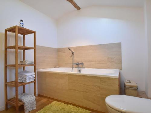 A bathroom at Quaint Holiday Home in Verteillac with Swimming Pool