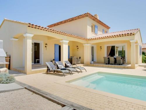 The swimming pool at or near Two Holiday Home in Le Plan-de-la-Tour with Pool