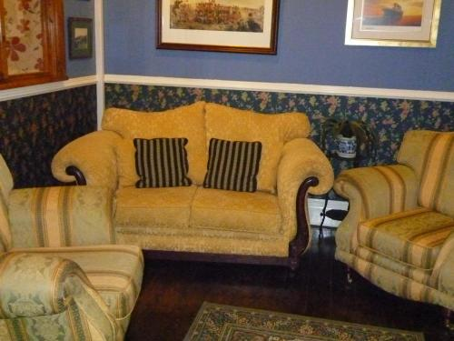 A seating area at Weybourne Guest House