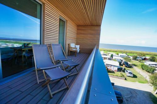 A balcony or terrace at Hotel Strandhus