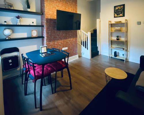Large 4 Bedroom Home - City Centre