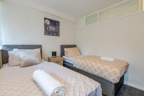 COPLOW house ( three bedrooms) sleeps 5-7
