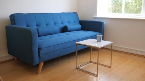 BookedUK: Cheerful 1 Bed Apartment - Sawbridgeworth